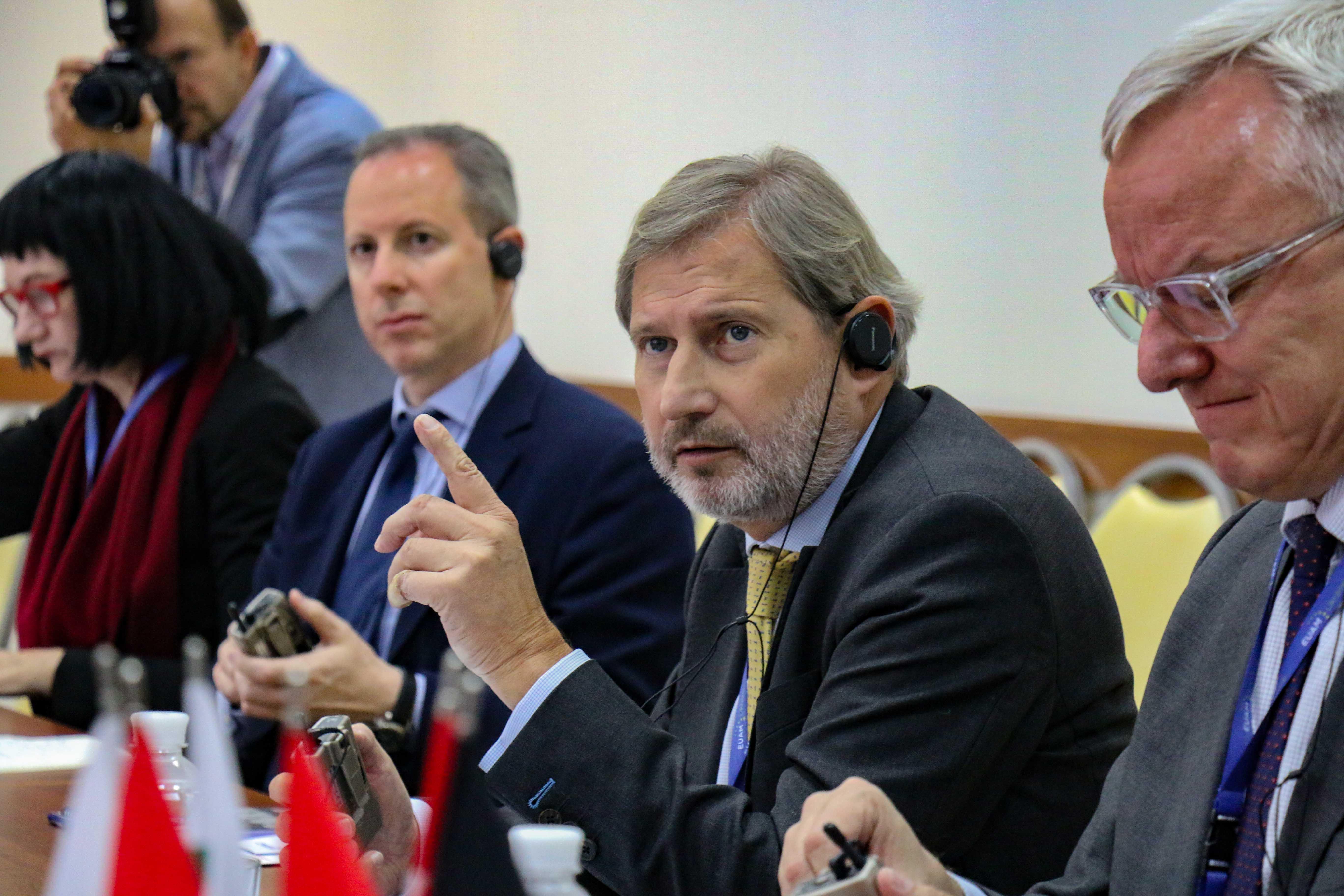 Міжнародна спільнота і українські громадяни чекають на якнайшвидший початок роботи Антикорупційного суду, – Єврокомісар Йоганнес Ган