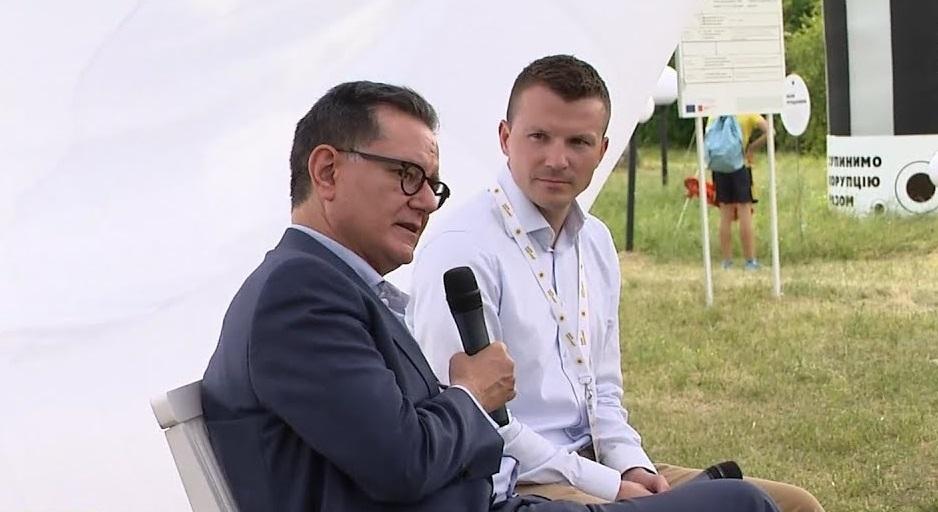 Карлос Кастресана залишився вражений київським Парком корупції
